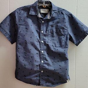 Free planet Boys 8 button up shirt